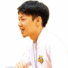 中野 健一コーチ